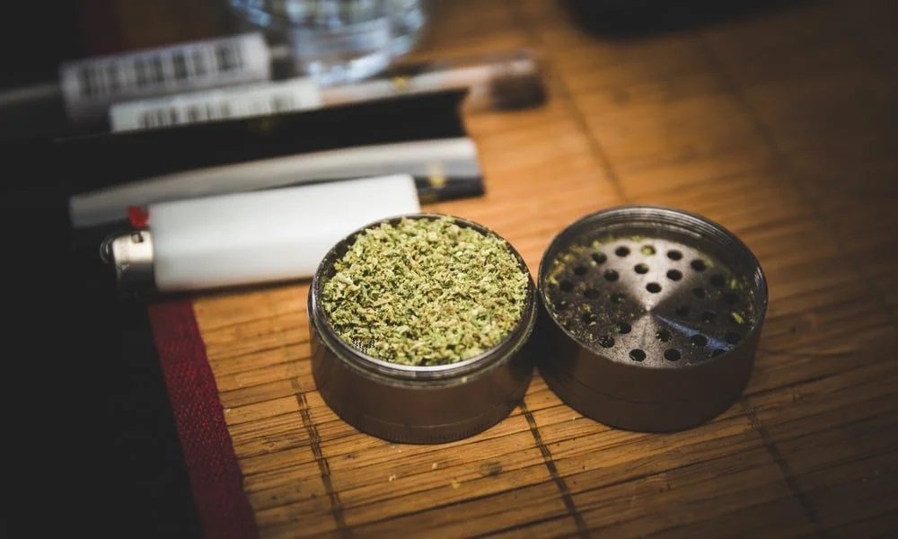 How To Use a Herb Grinder - Weed Grinder Guide